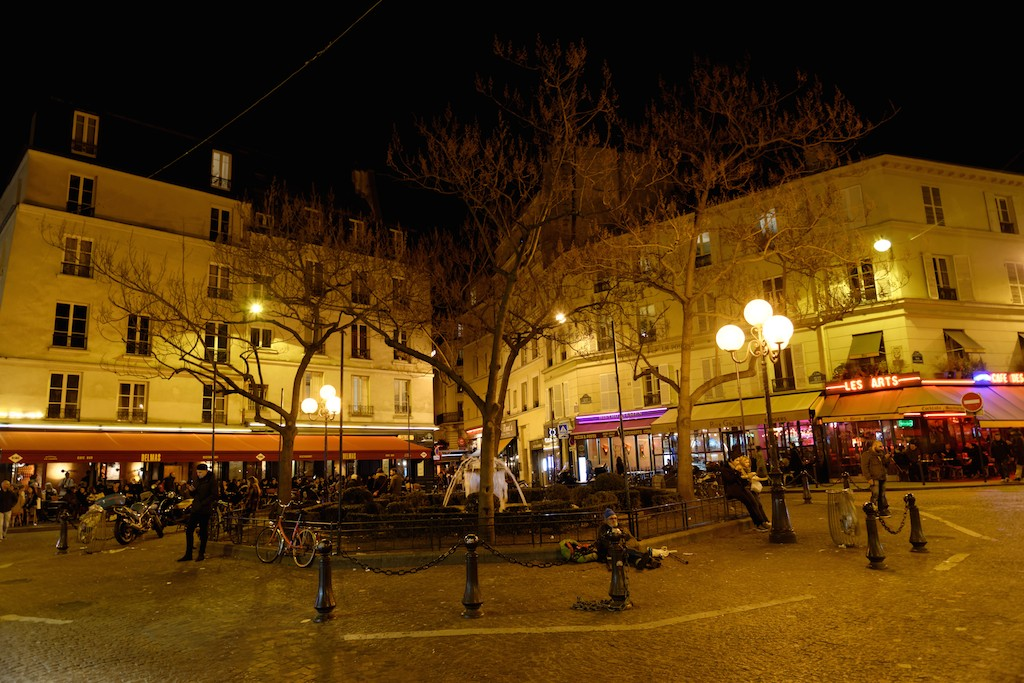 Place de la Contrescarpe by night-Paris