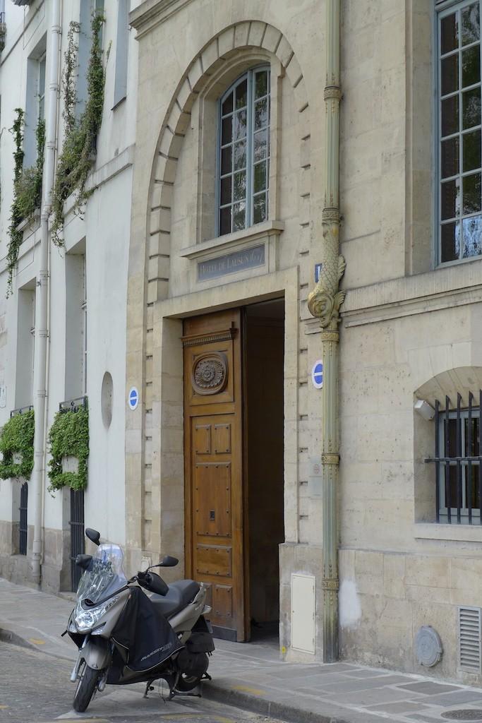 Ile saint louis Paris- Hotel de Lauzun-1