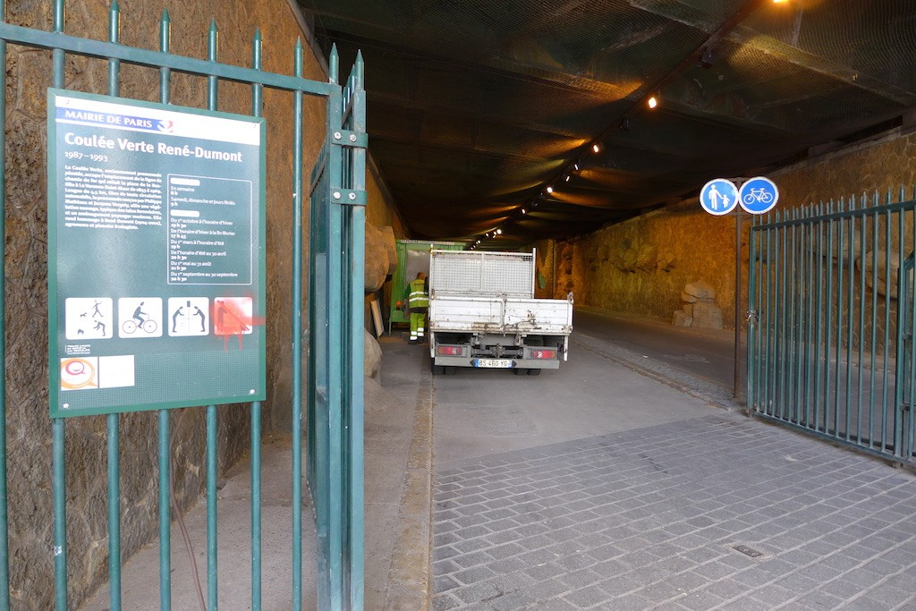Entrance of the Coulee Verte - Tunnel de Reuilly