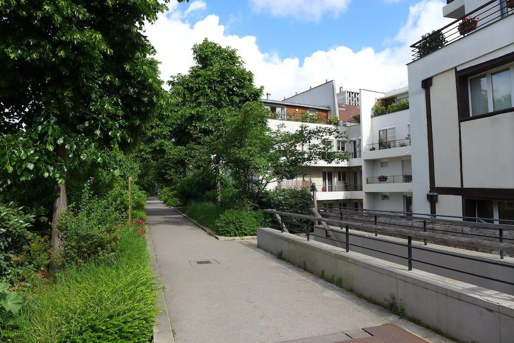 Promenade plantee Paris-Viaduc des arts- View