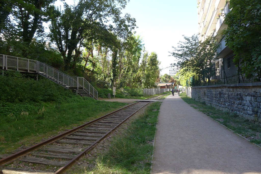 eda6aaf14bf0 La Petite Ceinture du 15e  A Short Unsual Walk in Paris! - Good ...