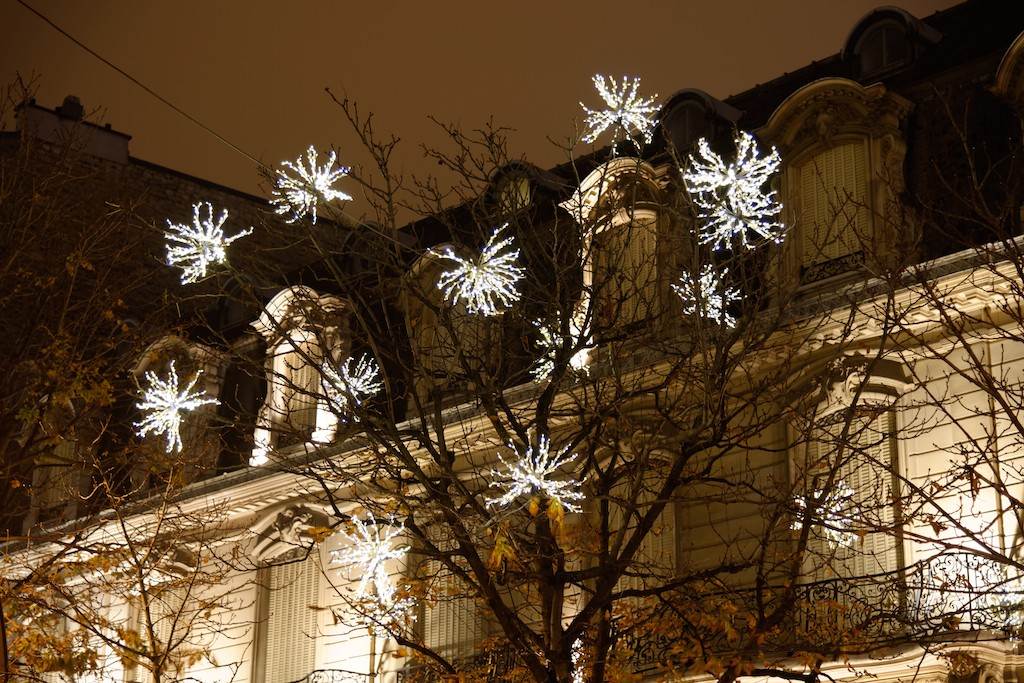 Festive Season-Paris-A building Avenue Montaigne