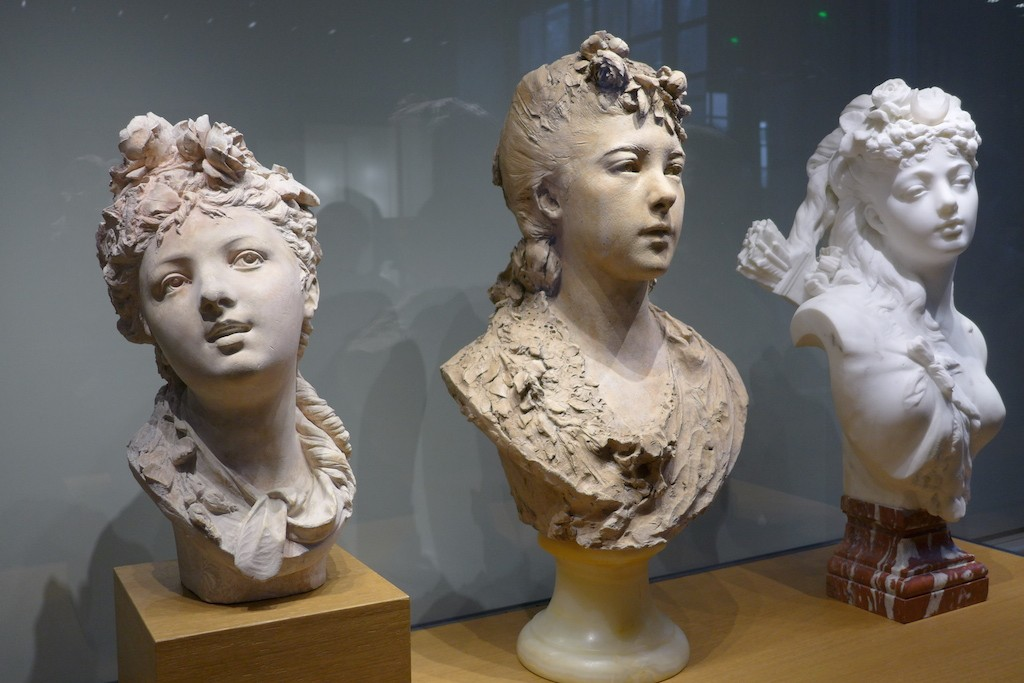 Musée Rodin-Paris-Room2-Young girls with flowers in her hair