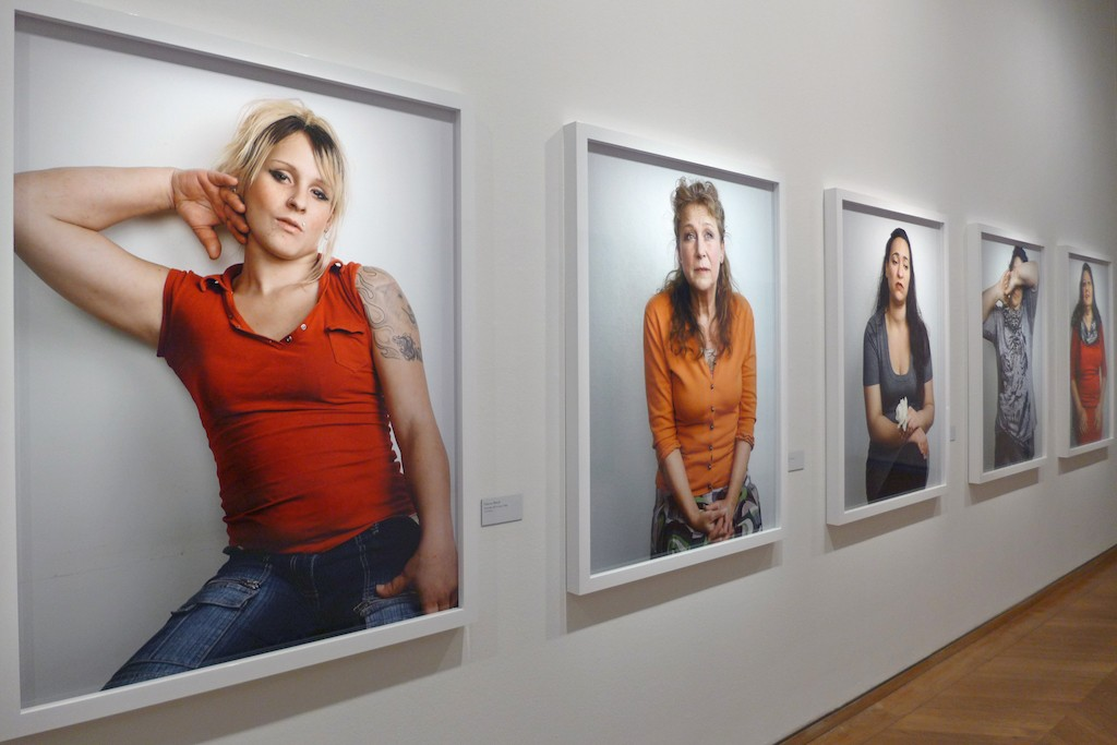 Bettina Rheims-MEP-Paris-room4-Detenues