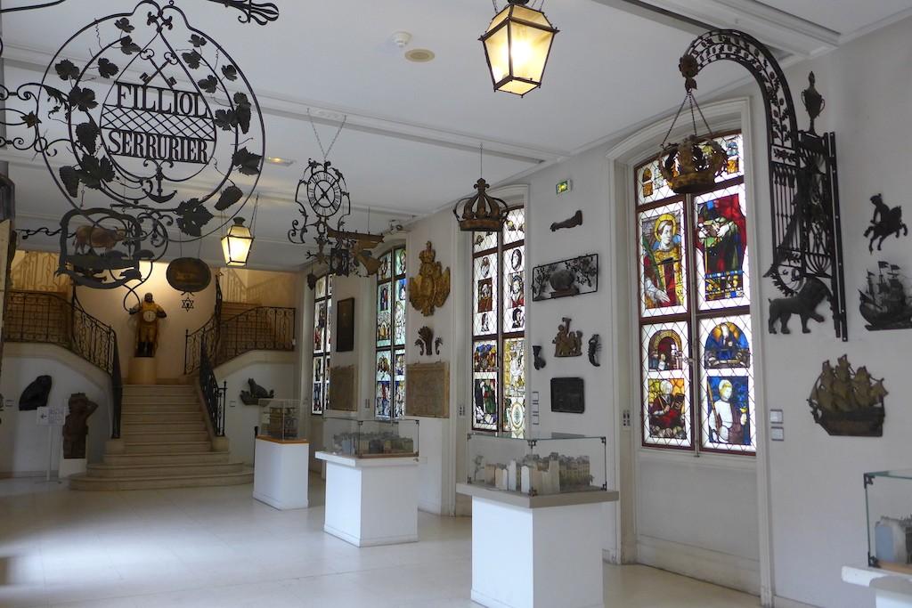 Carnavalet Museum Paris-The main Sign Gallery