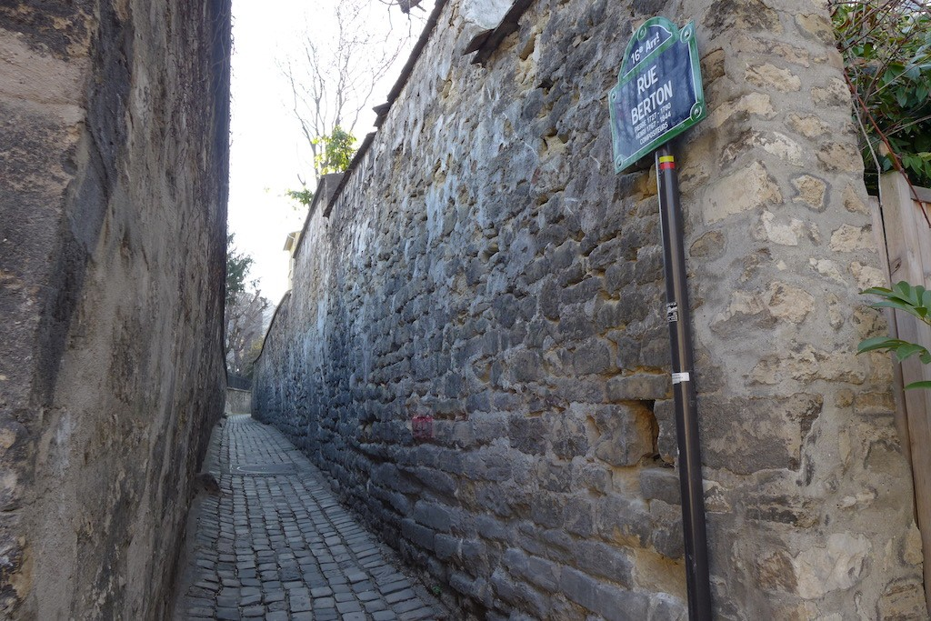 Exploring Passy-Paris-The rue Berton