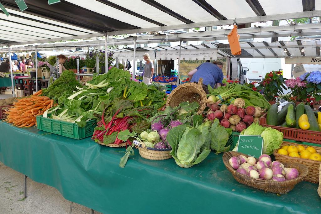 Marche-Saxe-Breteuil-Paris-A Market gardener