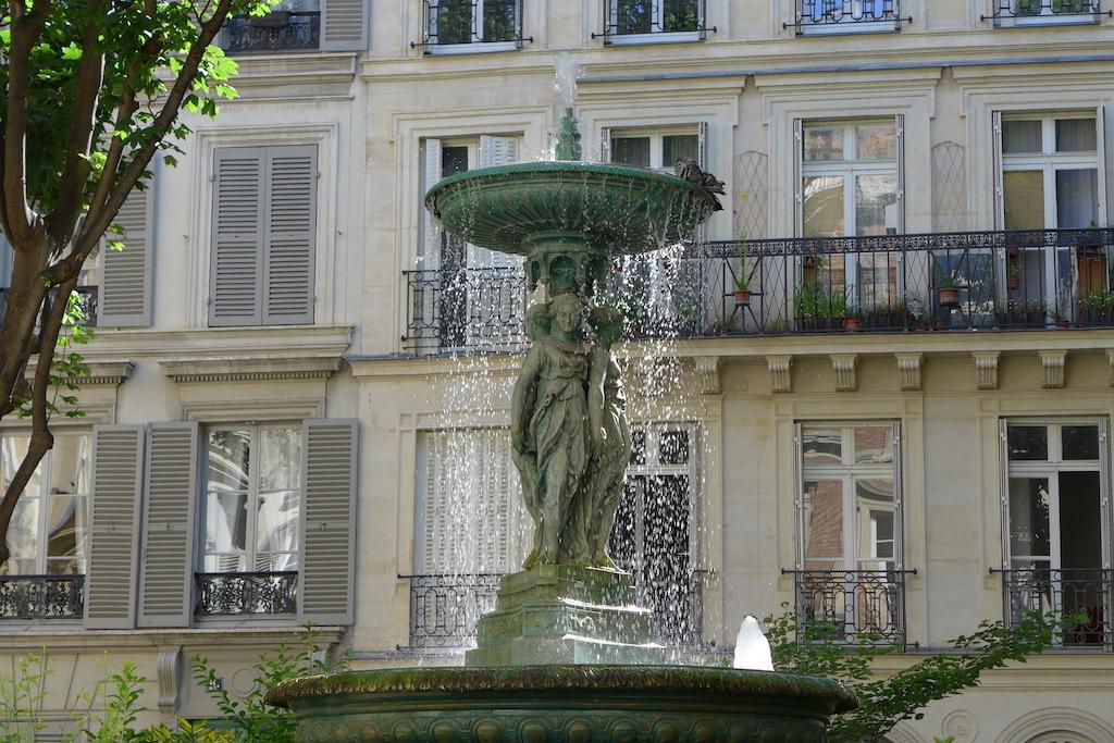 Fountains Paris-cite trevise-01