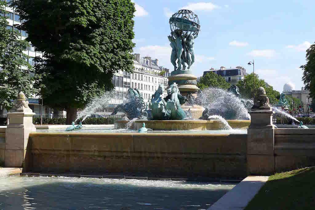 Fountains Paris-fontaine des quatre parties du monde-03