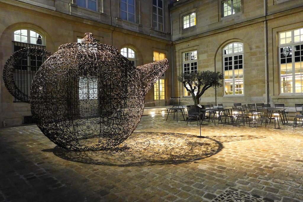 Monnaie de Paris - Cour de la Meridienne - The Teapot - Joana Vasconcelos
