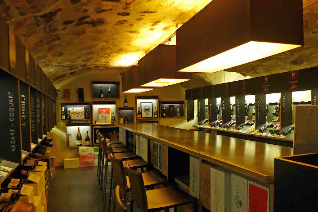 Dilettantes - Paris - The Champagne cellar and tasting room
