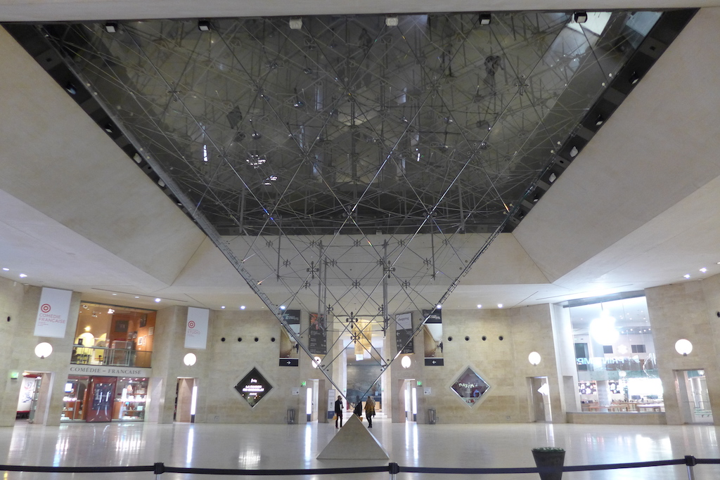 Musée du Louvre - The Inverted Pyramid