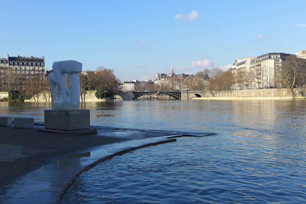 Pont de Sully - View from the Open-air Sculpture Museum in the Jardin Tino Rossi