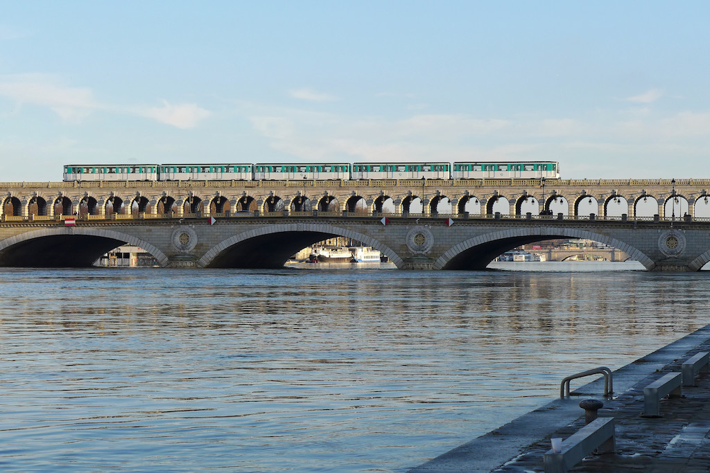 Metro crossing the Seine on the Pont de Bercy