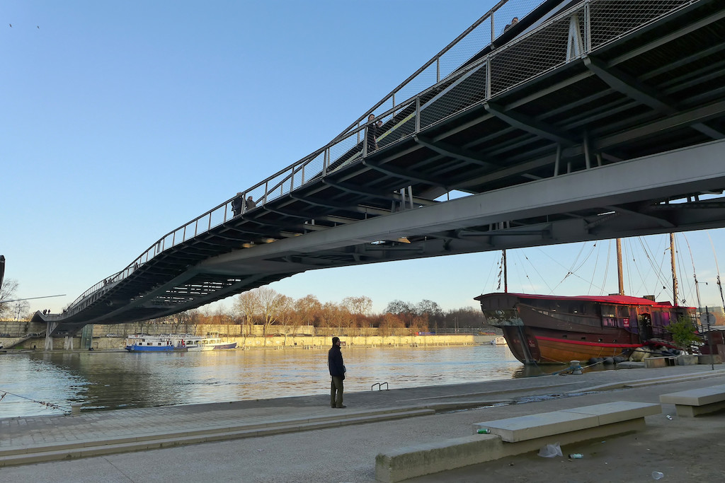 View on the Passerelle Simone de Beauvoir