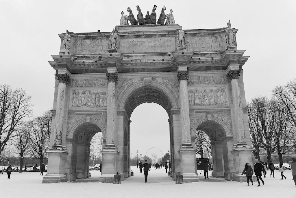 Snow under the Arc de Triomphe du Carrousel - Paris - February 2018