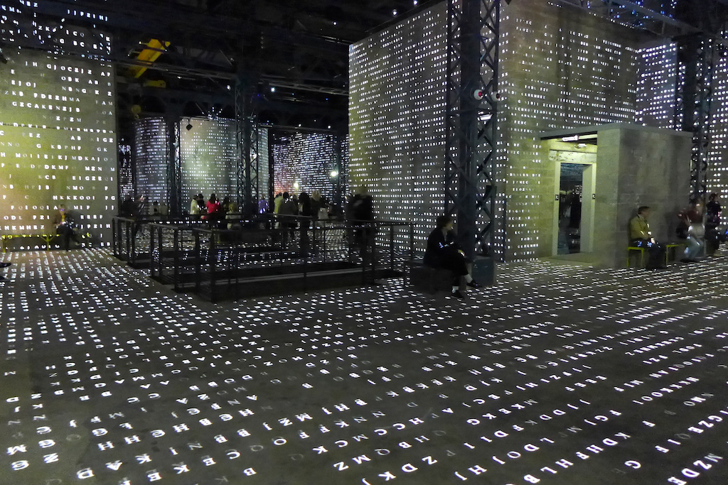 Atelier des lumieres-Paris-Poetic AI