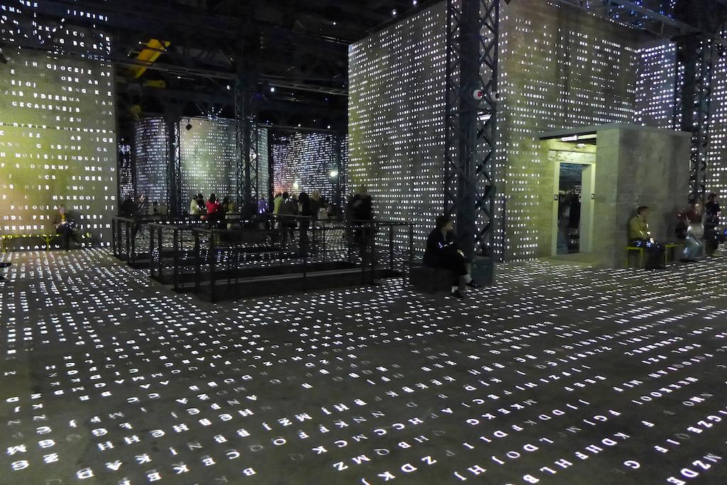 Atelier des lumieres-Paris-Poetic AI
