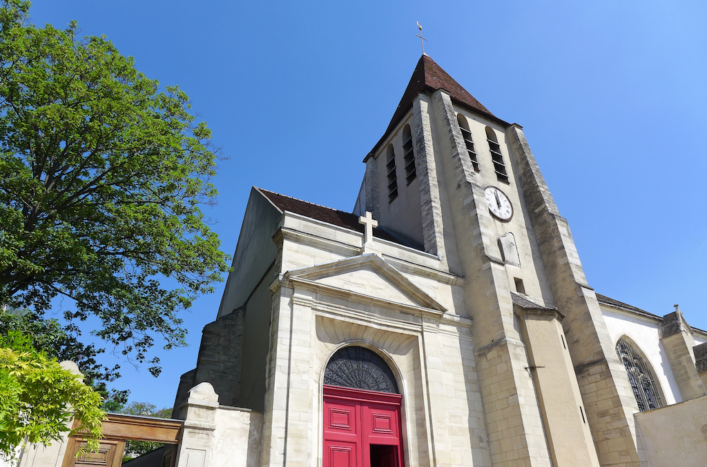 Eglise Saint Germain de Charonne-Paris - The entrance, the church tower and adjacent churchyard